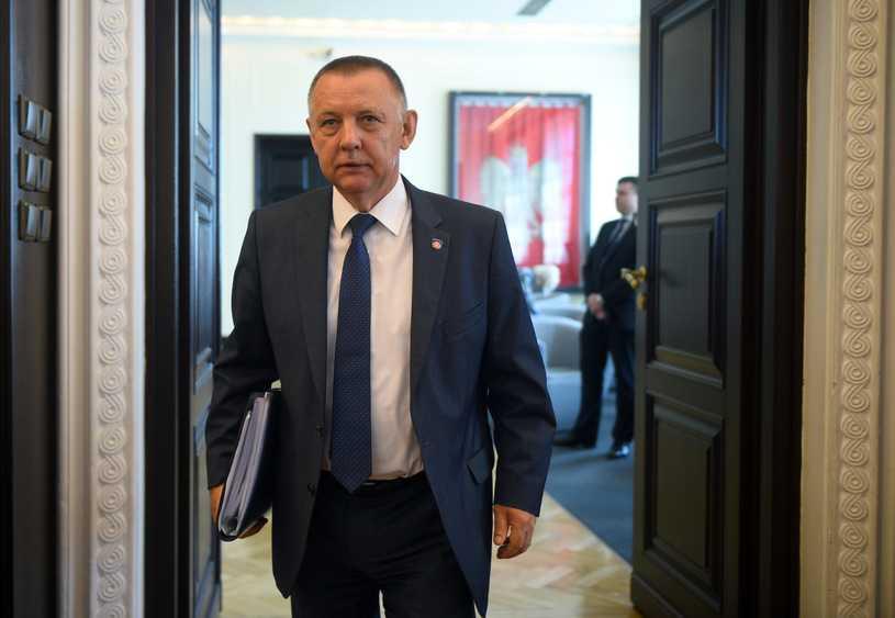 """""""Rzeczpospolita"""": Wojna służb w sprawie szefa NIK"""