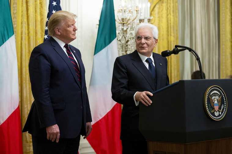 """Trump nazwał prezydenta Włoch """"Mozarellą""""? Mina tłumaczki robi furorę w sieci"""