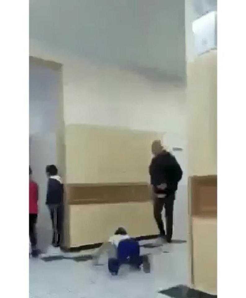 Szokująca zabawa w szkole! Starsi koledzy gnębili 9-latka