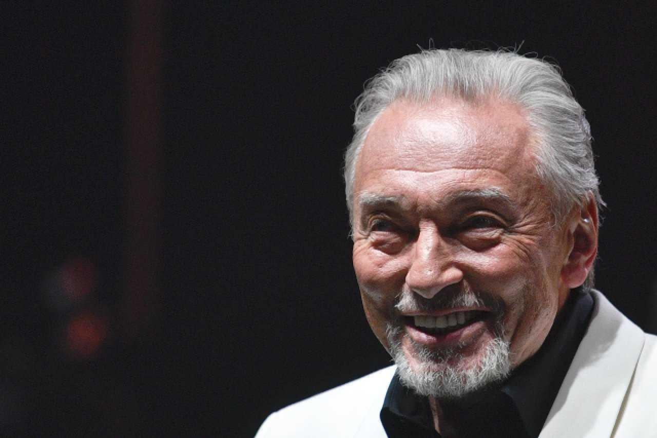 """Odszedł """"Słowiański Sinatra"""" i """"Presley Wełtawy"""". Karel Gott zmarł w wieku 80 lat"""