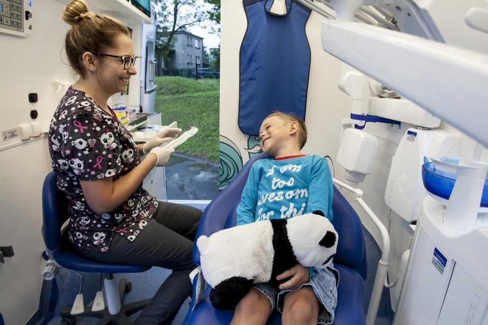 Szkolni dentyści pilnie poszukiwani