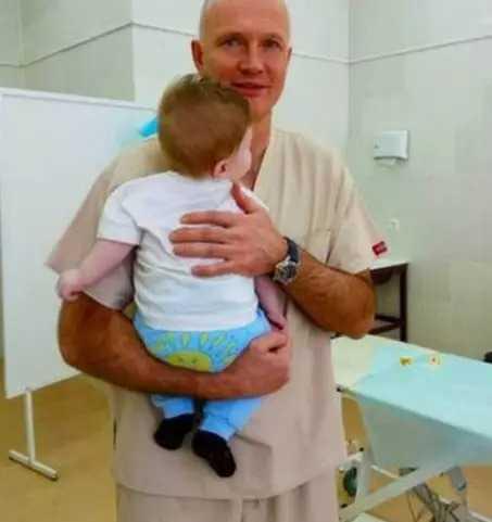 Urodził się z trzema nogami i innymi deformacjami. Lekarze proponowali aborcję