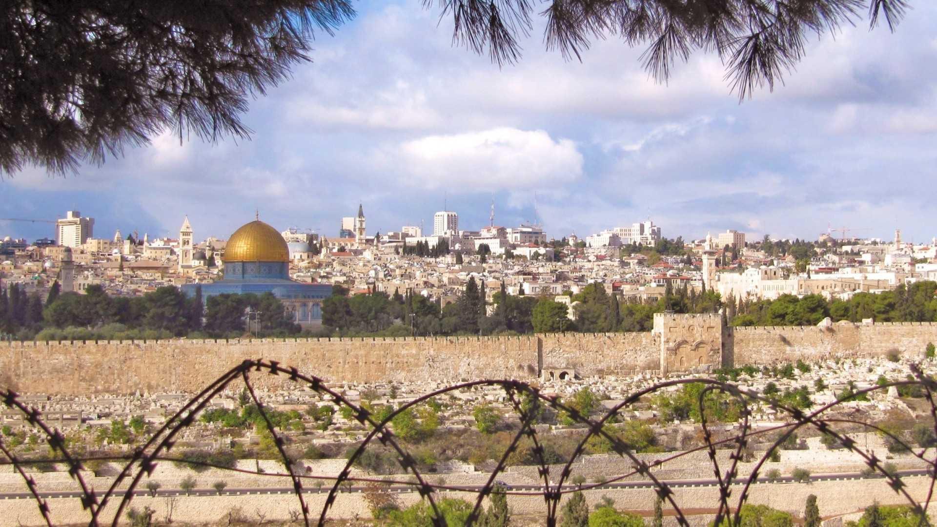 Przerażający ostrzał rakietowy w Izraelu! Ważne informacje dla Polaków