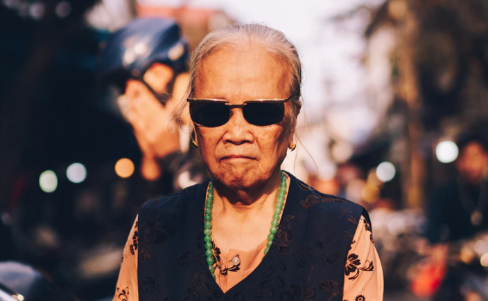 78-letnia babcia wyznała taksówkarzowi swój największy sekret. Mężczyzna płakał całą drogę