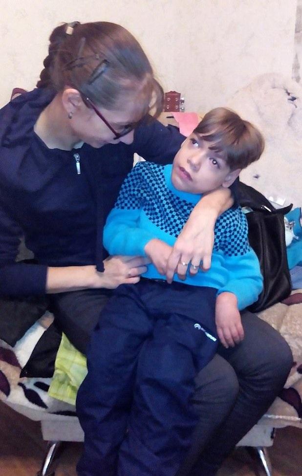 Wzięła na ręce 13-letniego syna i skoczyła z 9. piętra. Nie widziała innego rozwiązania