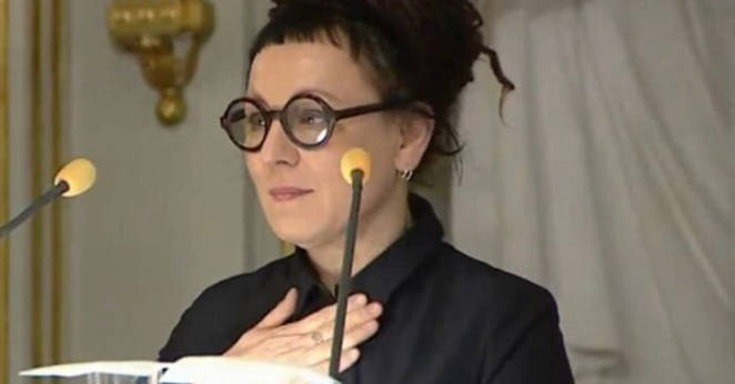Olga Tokarczuk odbiera literacką Nagrodę Nobla. Tusk nie mógł się powstrzymać od komentarza