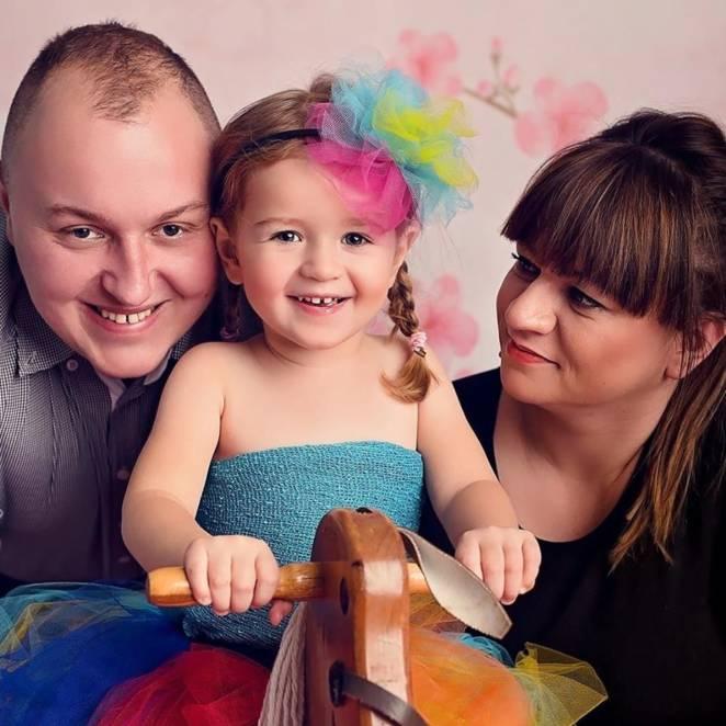 5-letnia Natalka przegrała z glejakiem. Jej ostatnie marzenie posuszyło serca tysięcy Polaków