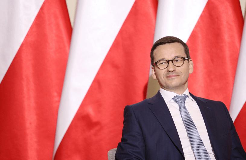 Nagrody dla obsługi KPRM. Mateusz Morawiecki i Donald Tusk nie szczędzili grosza