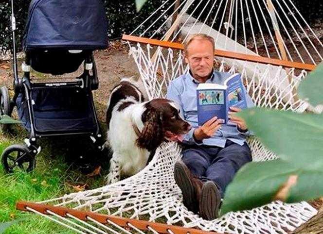 """Donald Tusk wspomina o tajemniczej kobiecie. """"Ja u pani Joli zasypiam w fotelu"""""""