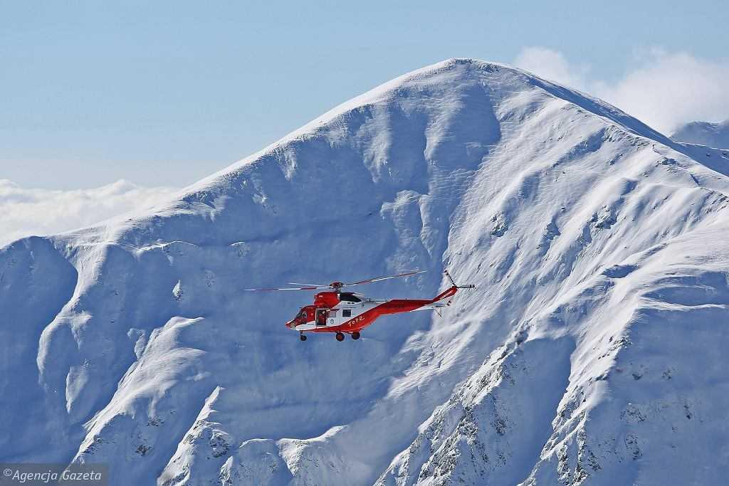 Tragedia w Tatrach. Turysta spadł z dużej wysokości na szlaku prowadzącym na Rysy