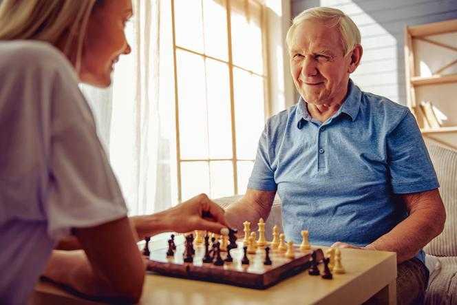 Oszukują seniorów. Nieuczciwe praktyki handlarzy