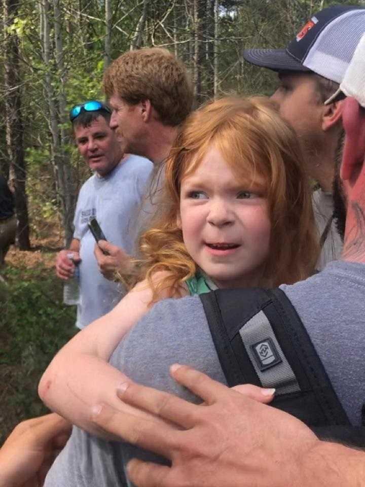 4-latka spędziła dwa dni w lesie. Uratowała ją suczka bohaterka