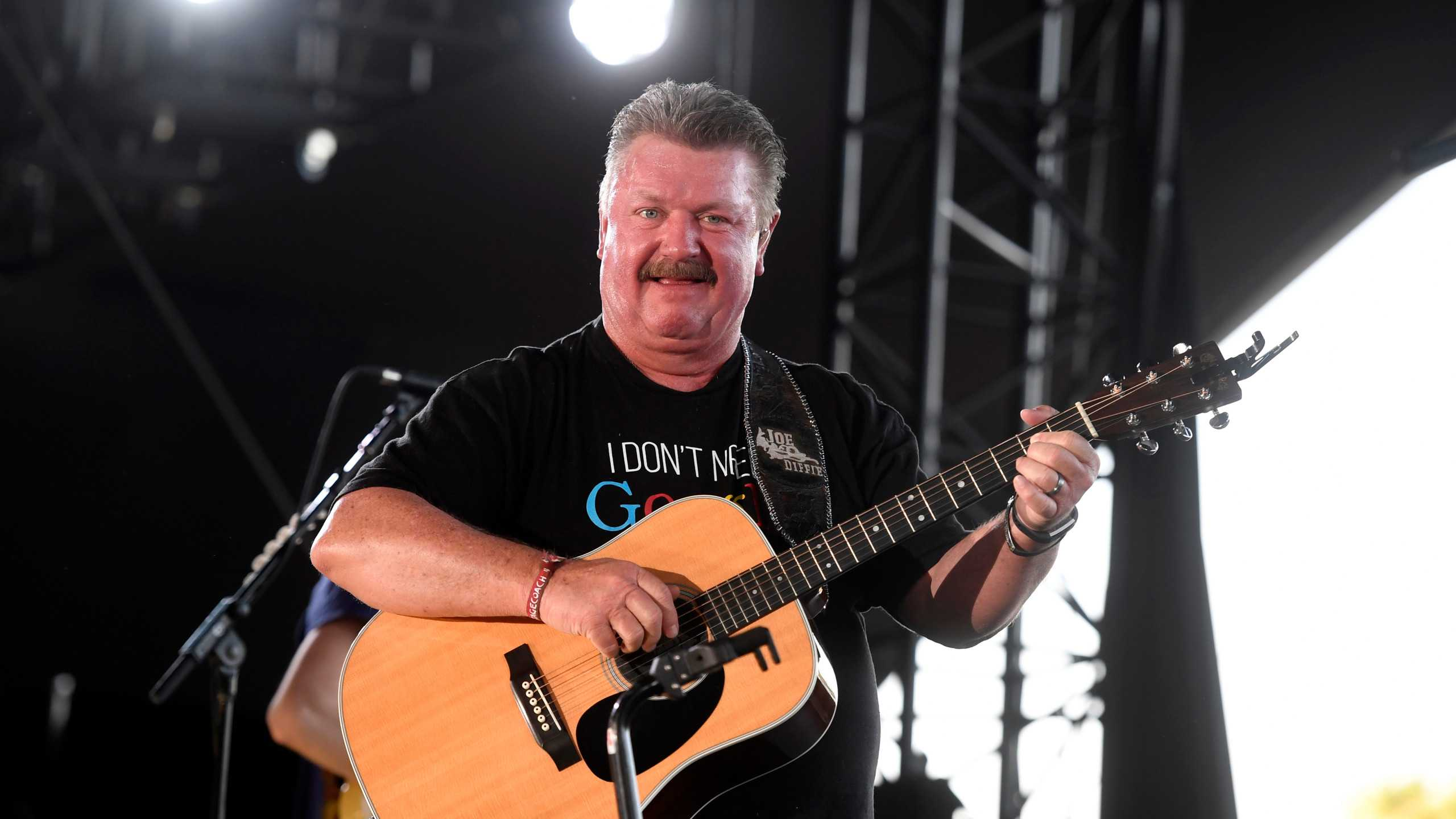 Nie żyje Joe Diffie. Słynny amerykański muzyk country zmarł zakażony koronawirusem.