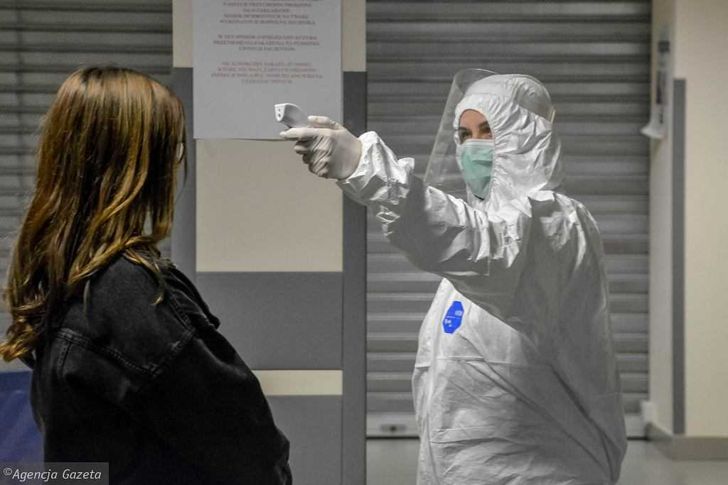 Wirusolog: Im dłużej wirus jest na danym obszarze, tym większa szansa, że będzie łagodniejszy