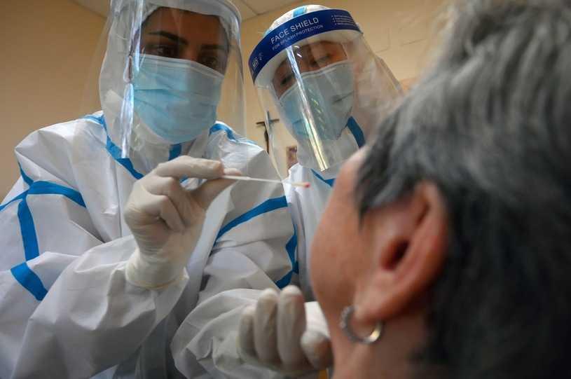 Dr Rafał Mostowy: Bardzo ważnym źródłem rozprzestrzeniania się koronawirusa są ludzie bez objawów