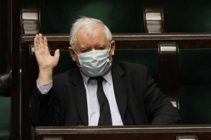 Czołowa gazeta z USA obnaża intencje Kaczyńskiego i Orbána. Wskazano, do czego im epidemia