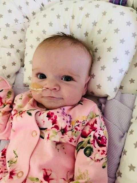 6-miesięczna dziewczynka pokonała koronawirusa. To prawdziwy cud!