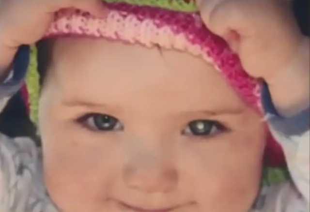 Mama spojrzała na zdjęcie córeczki. Zauważyła jeden szczegół, to była oznaka poważnej choroby