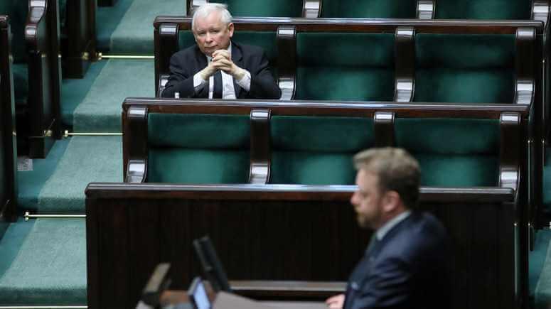 Starcie o majowe wybory. PiS szuka sposobu na sprzeciw Szumowskiego