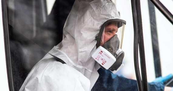 Naukowiec: wariant optymistyczny zakłada, że fala epidemiologiczna powinna zanikać na początku lata
