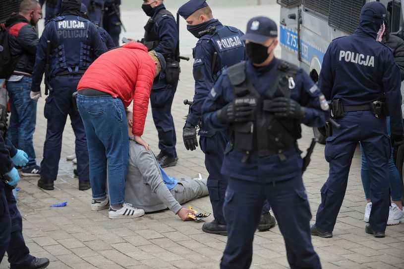 Policja odpowiada Trzaskowskiemu: Nie ma miejsca na politykę