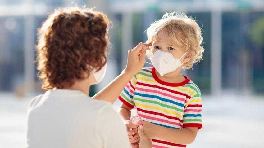 Dzieci nie zarażają koronawirusem? WHO zabrało głos