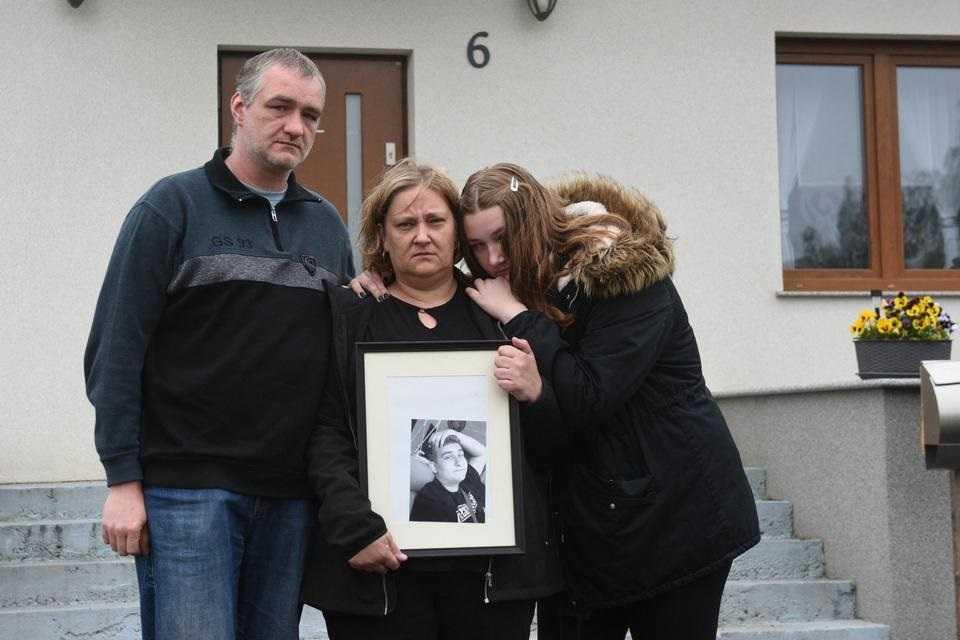 17-letni Bartek umierał w męczarniach. 10 godzin był odsyłany ze szpitala do szpitala