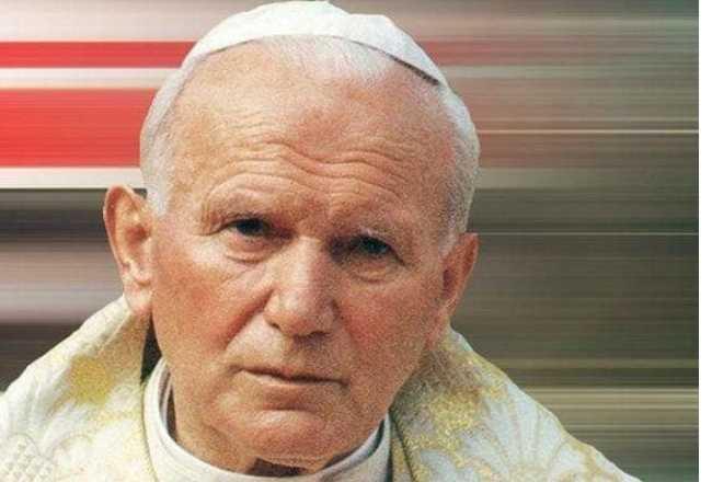 100 lat temu urodził się Jan Paweł II. Dziś już go z nami nie ma, ale nadal żyje w naszych sercach