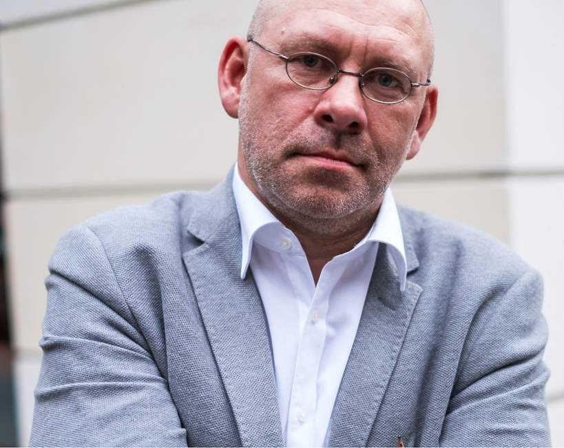 Dziennikarz, który wszedł na oddział chorych na COVID-19, zdradził wstrząsającą prawdę