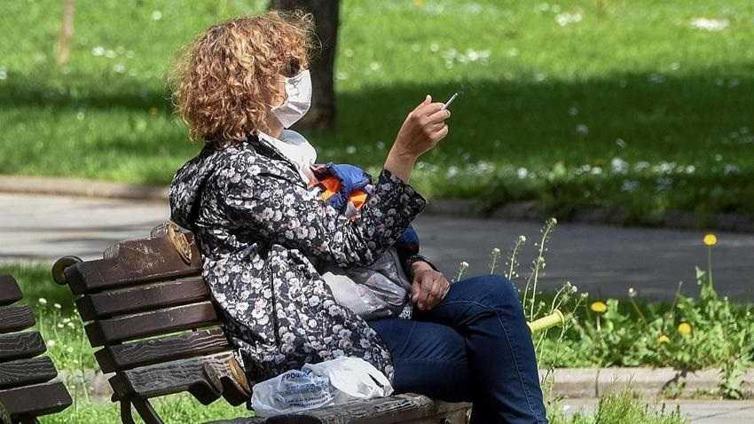 Palenie chroni przed koronawirusem? To badanie rozwiewa wątpliwości