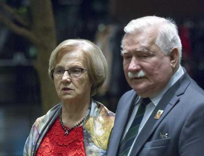 """Danuta Wałęsa UJAWNIŁA, jak traktował ją mąż. Mówił: """"Ty na górze, ja na dole"""". Ona powiedziała NIE"""