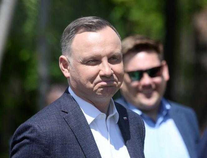 """Krzyczał """"marionetka"""" do Andrzeja Dudy. Kim jest człowiek, z którym rozmawiał prezydent?"""