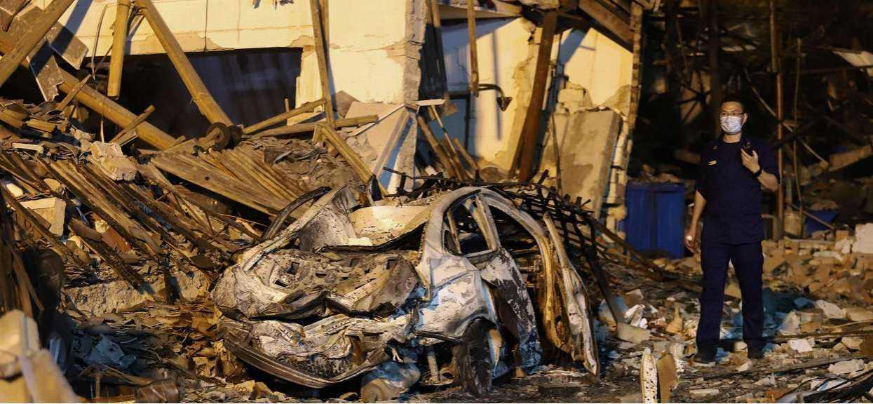 Potężny wybuch na autostradzie. 18 osób nie żyje, prawie 200 jest rannych, zawaliły się okoliczne domy, dramatyczne informacje z Chin