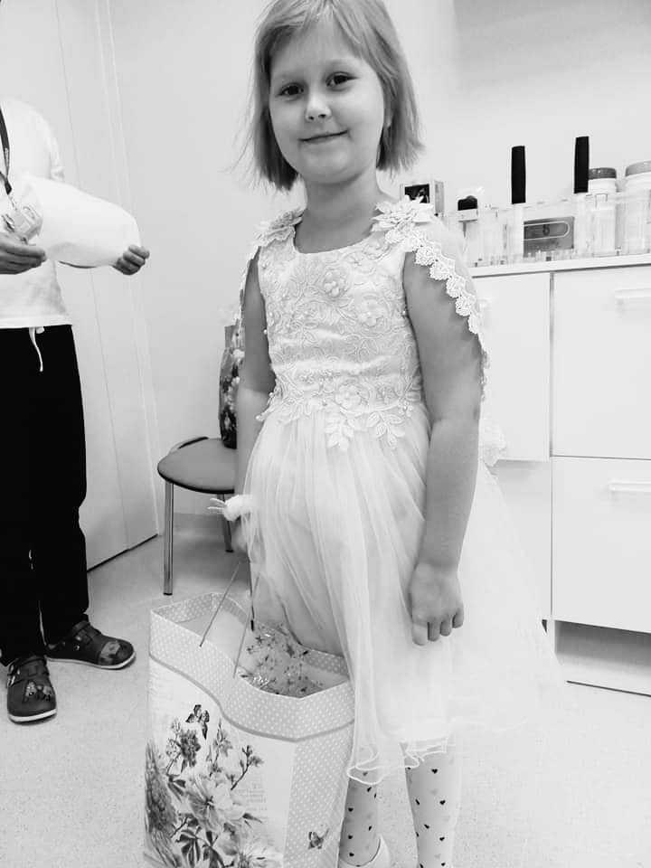 Pożegnanie Kingi Romanowskiej. Ceremonia pogrzebowa 8-latki była wzruszająca
