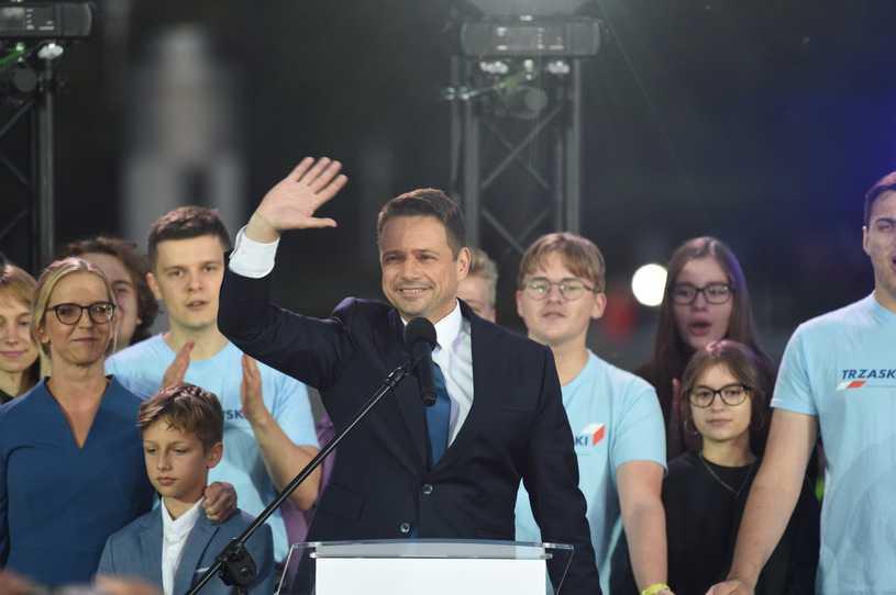 Rafał Trzaskowski nowym liderem opozycji? Najnowszy sondaż