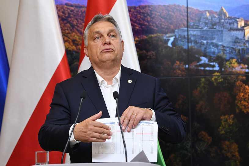 Szczyt w Brukseli. Orban chwali Morawieckiego