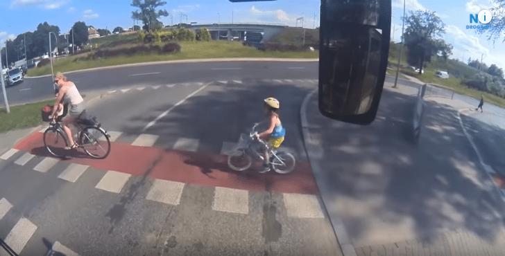 Motocyklista potrącił 6-latkę i uciekł. Potrzebna pomoc w odnalezieniu sprawcy!