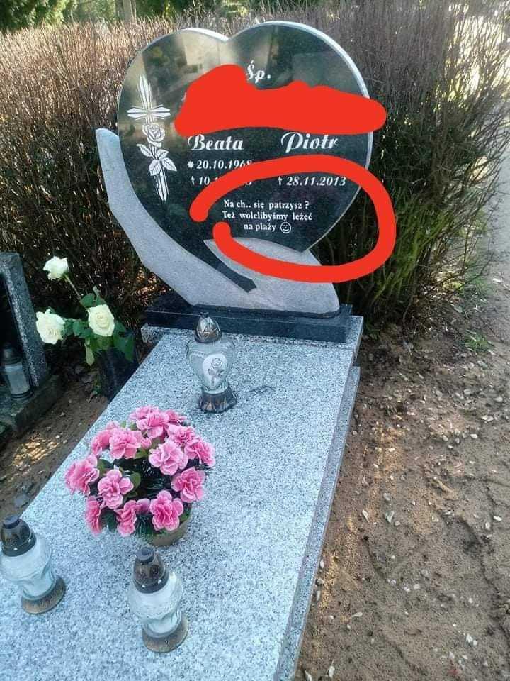Nietypowy napis na grobie wywołał prawdziwą burzę.