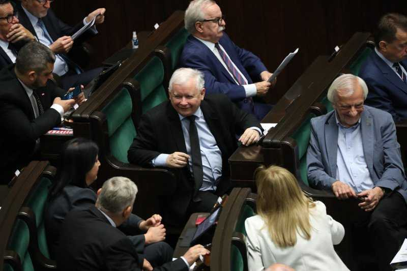 Wyciekły słowa Kaczyńskiego z zamkniętego posiedzenia klubu PiS. To plan na najbliższe lata