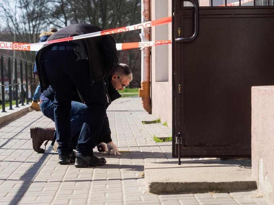 Tragedia w Łodzi. Dziecko wypadło z okna
