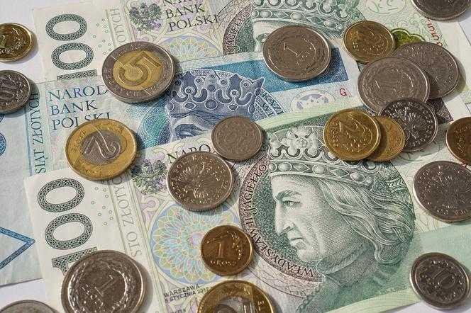 WIELKIE ZMIANY w emeryturach! Pieniądze na kontach przed ukończeniem 60 i 65 lat?!