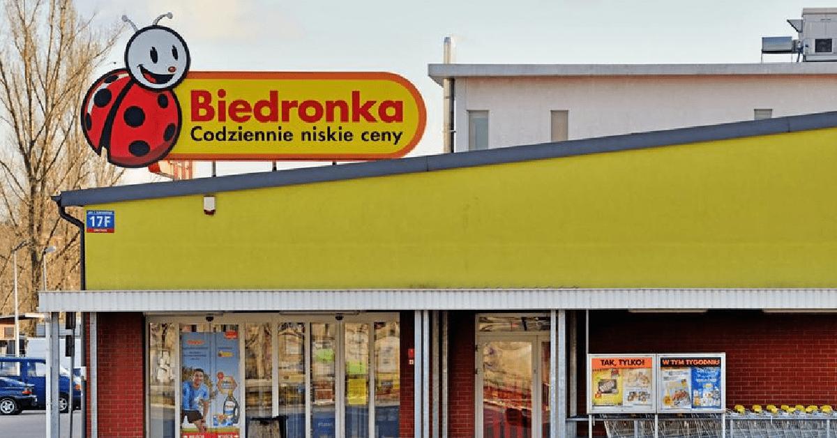 Kupili pierś z kurczaka w Biedronce i zważyli ją. Nagranie rozpętało burzę