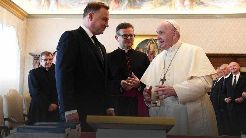 """Prezydent Duda na audiencji u papieża. """"Rozmawialiśmy o tym, jak postępować, by dążyć do pokoju"""""""