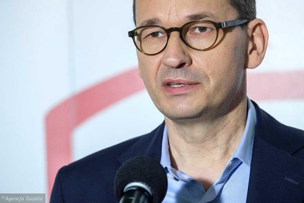 Morawiecki twierdzi, że w Polsce zaszczepiono 5 mln osób. Wcześniej nieprawdę podali Dworczyk i TVP