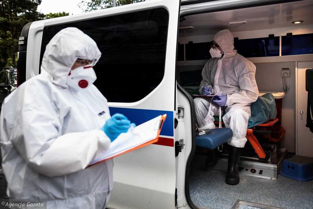 Koronawirus. Rzecznik Ministerstwa Zdrowia zapowiada wprowadzenie większych obostrzeń