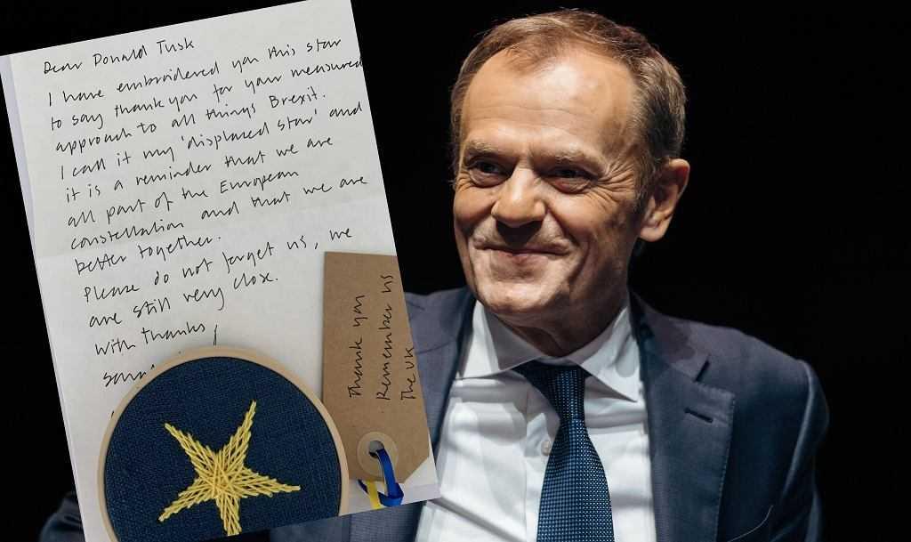 """Donald Tusk dostał list i gwiazdkę nawiązującą do Brexitu. """"Tak, ciągle jesteśmy bardzo blisko"""""""