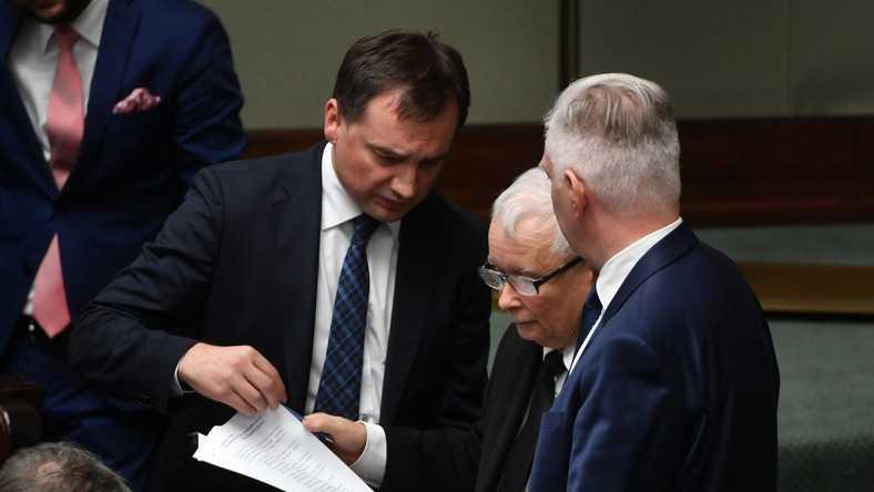Rekonstrukcja rządu. Prezes PiS szachuje koalicjantów