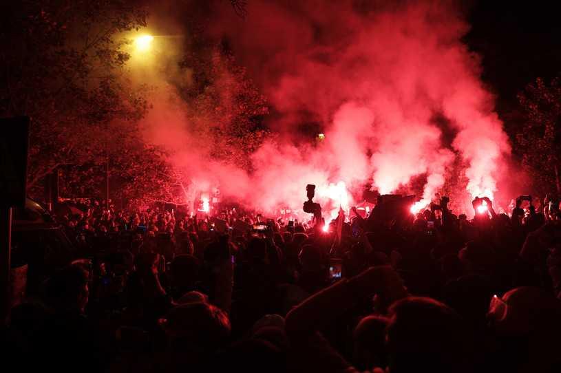 Warszawa: Jest wniosek o areszt dla 25-latki, która zraniła policjanta racą