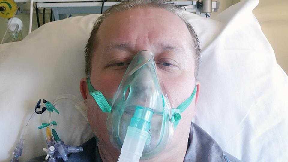 """Ksiądz pokonał koronawirusa. Mówi straszne słowa. """"Konałem, nie mogłem oddychać"""""""