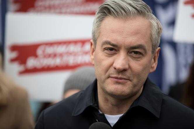Protesty w Warszawie: Robert Biedroń UDERZONY przez policję?! MOCNE oskarżenie